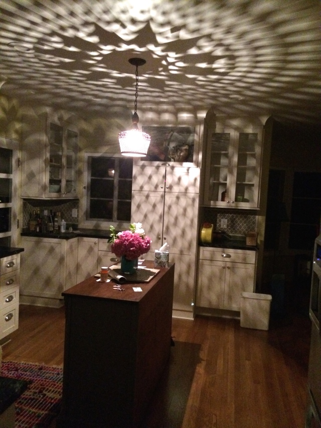 the pattern the island light casts in kitchen